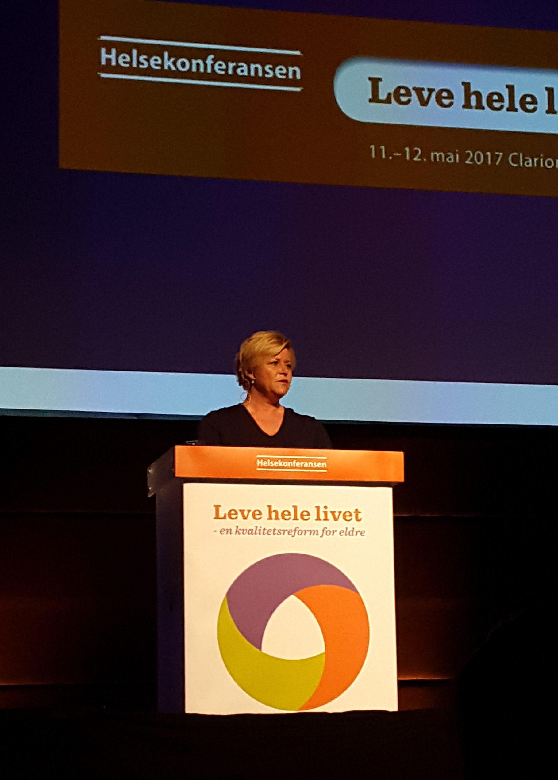 Finansminister Siv Jensen var også med
