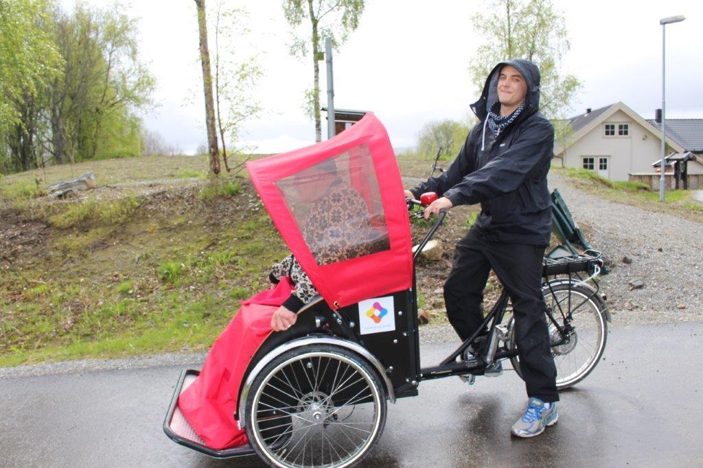 Livsglede med Selbu vgs med rickshawsykkel juni 2016