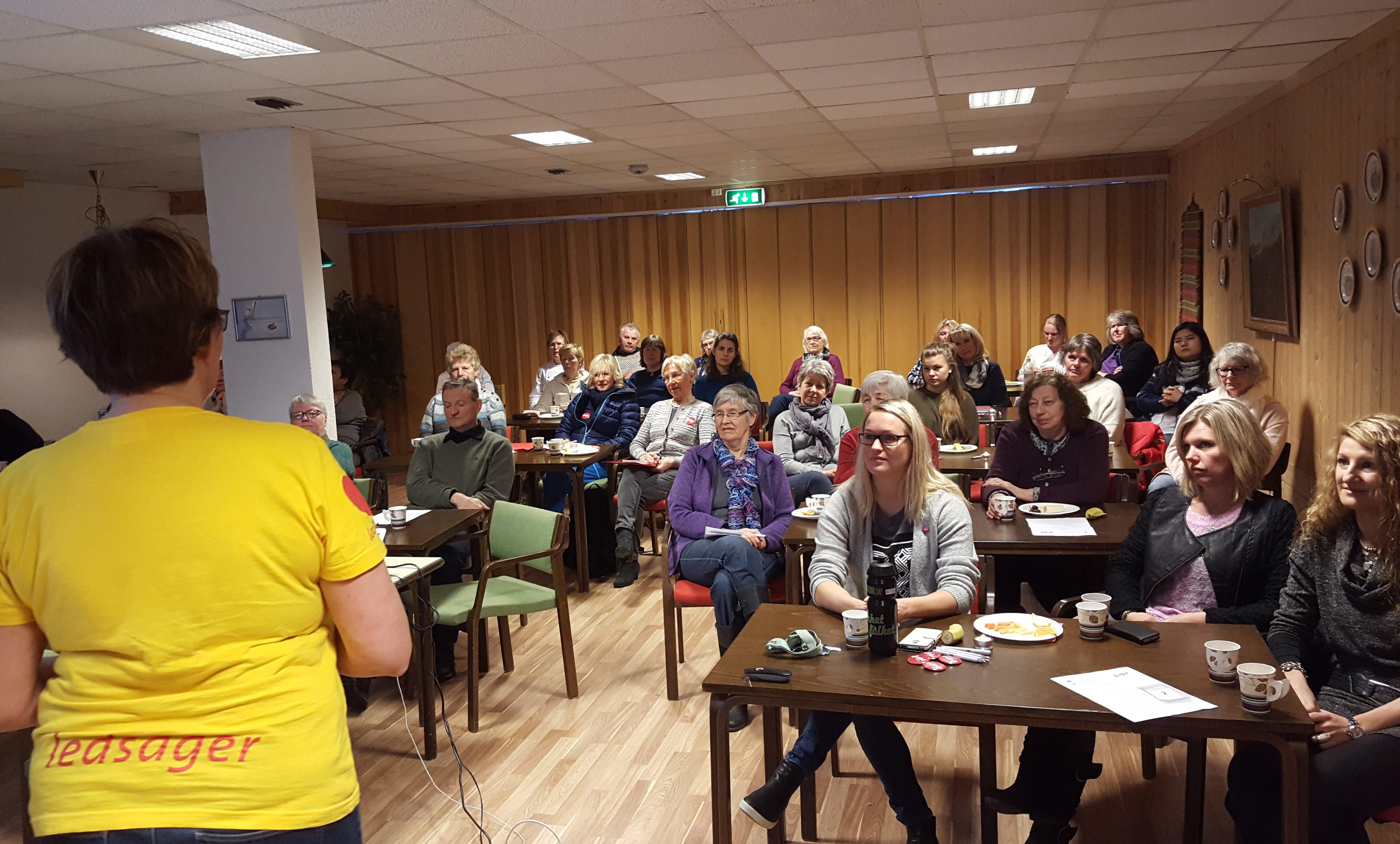 Veileder i livsgledepedagogikk Kari Sofie Iversen fra Livsglede for Eldre snakket om samspillet mellom generasjoner