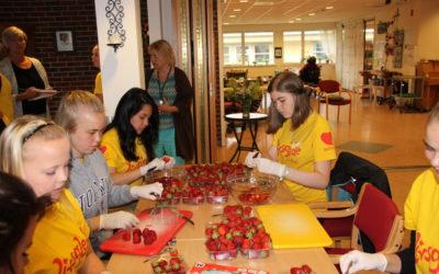 150-årsfeiring gav kr 18.000 til Livsglede for Eldre Strand!