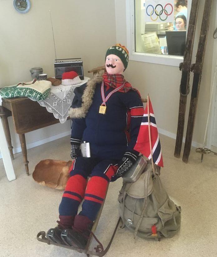 Vinterstemning i korridoren bidrar til realitetsorientering ved Stod sykehjem