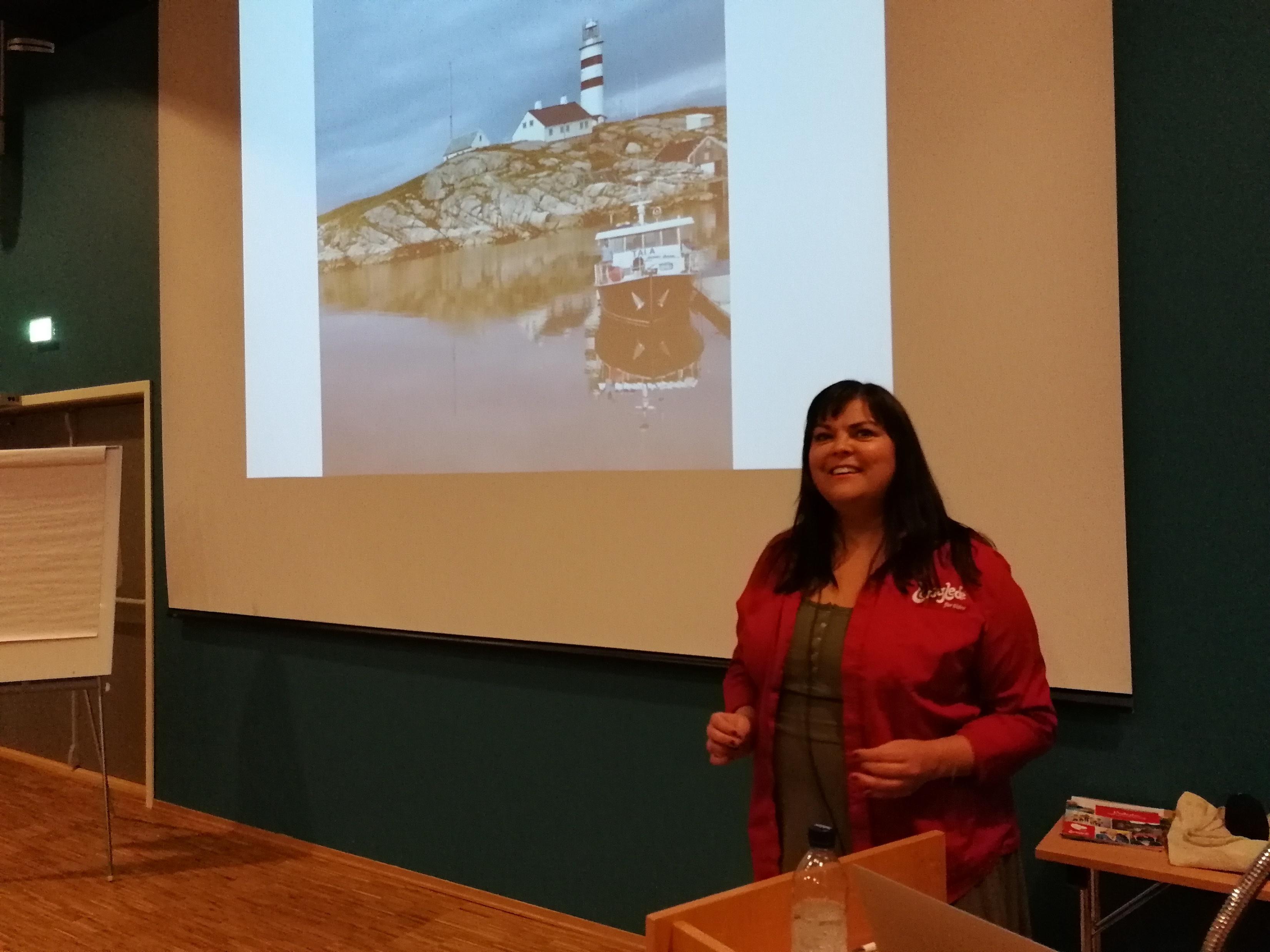 Tanja Hopsø fra Livsglede for Eldre snakket om Livsgledehjem